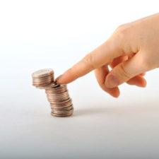 V této kalkulačce si můžete sami spočítat, kolik peněz vám zůstane z výplaty při exekuci.